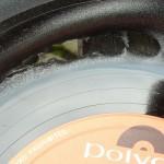 Fehler 2: Platte zu sehr erhitzt oder zu kräftig gepresst: Das Vinyl reißt.